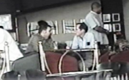 Frank Carlos y Corwin, funcionario de la SINA.